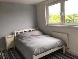 Double room to rent in Loughton £115 pw no other bills