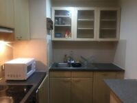 Lovely 2 Bedroom Flat in Quaidrangle House, romford road Stratford With 2toilets,lift & Free Gym