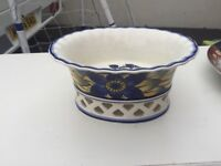 Beautiful Blue and Yellow Fruit Bowl in Excellent Condition