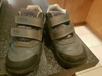 Boys clarks flashing shoes size 10g