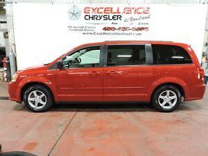 2012 Dodge Grand Caravan SXT,ATTELAGE REMORQUAGE,8 PNEUS ET RIMS West Island Greater Montréal image 7