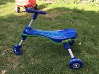 Tricycle Razor Scuttle Bug Trike (Blue)