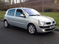Top of Rang - 2004 Renault Clio 1.5 dCi Initiale Diesel Manual 5dr -- Part Exchange Welcome –