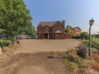 4 bed extensive detached property, driveway, large garden, countryside.