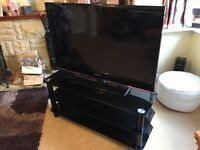Samsung 42 inch tv built in free view and stand