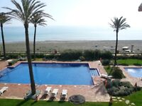 front line beach, Penthouse apartment, sleeps 8. 30 mins from Gibraltar.