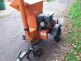 Bear cat 580 3/4 inch petrol woodchipper