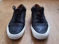 Vans off the wall Size 10