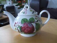 Portmeirion Pomona 2 pint Teapot