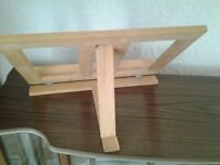 Artists table easel