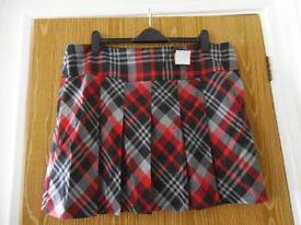 New/unworn (with tag) women's grey/black/red tartan skirt, size 20 (Tu @Sainsburys, RRP £18)