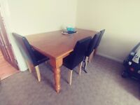 Large wooden dinning table !! Perfect for christmas dinner!!