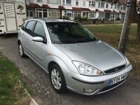 FORD FOCUS 2,0i GHIA AUTOMATIC 2004 5-DOOR SILVER