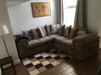 Large double room in recently refurbished house in Sydenham area. ALL BILLS INCLUDED £325 PER MONTH