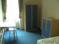 Two double bedrooms in large flat near Byres Road
