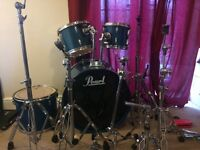 Pearl 5-piece Kit + snare, bags, silencer pads