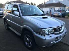 Nissan Terrano 2 SVE TD 2953cc Turbo Diesel Automatic 4x4 Estate 04 Plate 31/03/2004 Silver