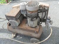Air compressor with hose & accessories - Pokesdown BH5 2AB