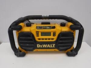 Dewalt Work Site Radio / Charger DC012. We Buy and Sell Used Power Tools and Equipment. 2734