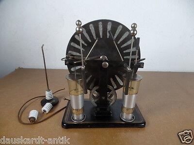 Influenzmaschine nach Wimshurst um ca.1900 antikes Schulmodell für Experimente