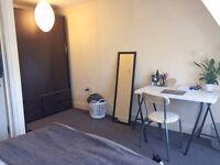 Fantastica large double room 5 min Brick Lane- in a 3bed/2bath maisonette