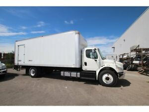 2012 Freightliner M2 24 FT BARN DOORS AUTO