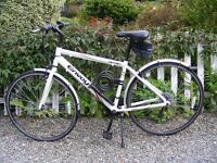 18 speed Hybrid Touring (Road) bike. Suit Adult / Teenager . Very good Condition.