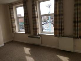 Haywards Heath, 3 bed flat in town centre