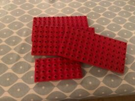 4 DUPLO BASE PLATES IN VERY GOOD CONDITION