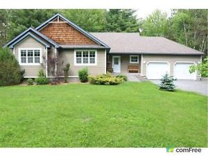 $539,900 - Bungalow for sale in Dunrobin