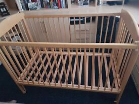 DROPSIDE BABY COT