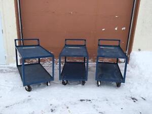Chariots Doverco robuste 24'' x 48'' x 30'' de haut ------ Doverco 24'' x 48'' heavy duty steel cart.