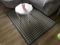 Dog Tooth Pattern Rug