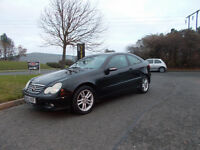 MERCEDES C180 KOMPRESSOR SPORTS COUPE AUTOMATIC STUNNING BLACK BARGAIN ONLY 1450 *LOOK* PX/DELIVERY