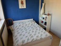 Double bedroom to rent in Guildford-Merrow