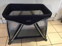 Nuna sena mini travel cot / playpen