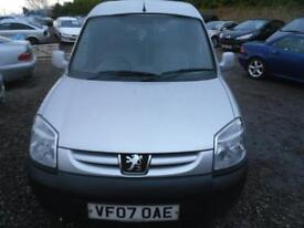 PEUGEOT PARTNER L600 ONLY �1350 - PLY LINED AND CARPETED IN REAR. A TIDY WEE VAN. DRIVES LOVELY 2007