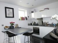 2 Bed Flat in Fontley Way, Roehampton, SW15