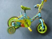 """bike Jungle Fun 10"""" wheels Avigo stabilizers and parent handle green and blue with animal prints"""