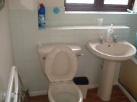 2 bed house available to let on holden close dagenham