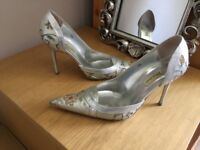 Gorgeous silk silver court shoe