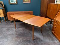 Extending Mid Century Dining Table in Teak. Retro Vintage 1960s