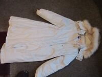 Gap Medium Winter coat, 80% feather down, Off white, detachable hood