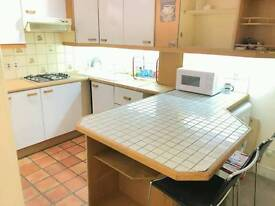 Nice double room available in Finsbury park just 165 Pw no fees