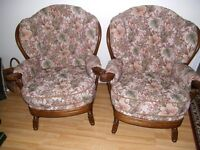 Pair of arm chairs good condition very comfortable