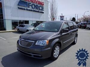 2015 Chrysler Town and Country, 3.6L V6 Gasoline, 47,183 KMs