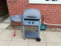 Gas BBQ with sideburner