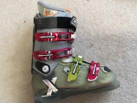 Ladies salomon ski boots size mondo24/24.5 uk 5