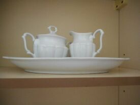 SET OF 25 ITEMS IN DINNER SERVICE