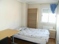 nice and beautiful single and double rooms for professional workers NG9, NG7 , NG2